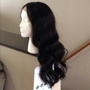 NWT Outre Stevie synthetic wig #2 brown